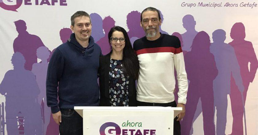 Daniel Pérez Pinillos, a la izquierda de la imagen