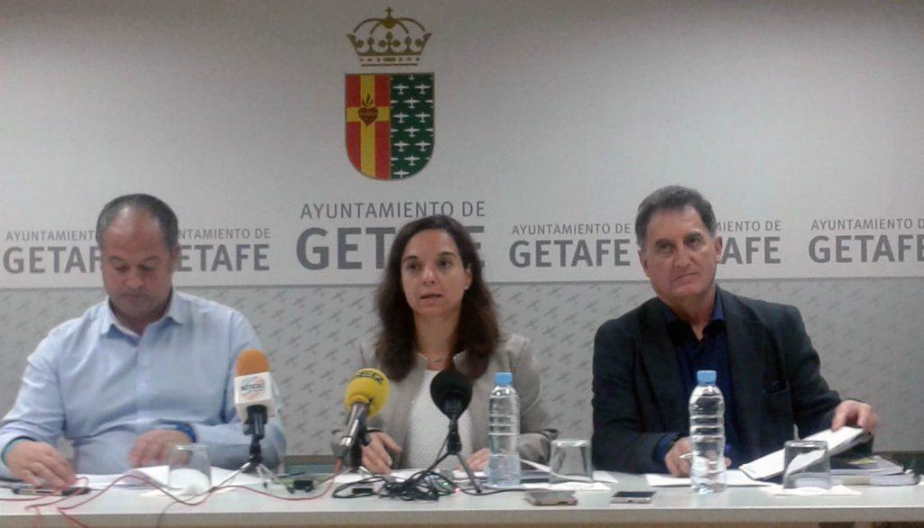 Javier Santos (IUCM), a la izquierda de la imagen